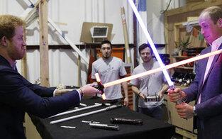 Will & Harry im Lichtschwert-Duell