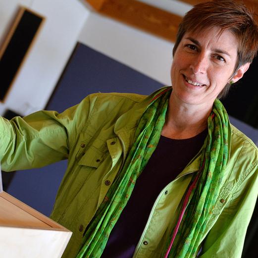 Astrid Rössler beim Urnengang