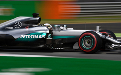 Formel 1: Hamilton holt sich Pole in Sepang
