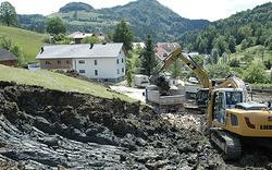 Riesen-Hangrutsch bedroht Siedlung