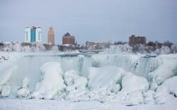 Niagara-Fälle aus Eis