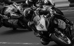 Horror-Crash: Motorrad-Star stirbt bei Rennen