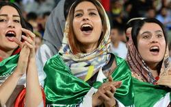 Iran: Frauen dürfen wieder ins Stadion