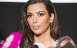 Kardashian: Gar nicht zickig bei Pressekonferenz