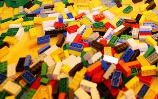 Skurril: Einbrecherbande stahl Lego-Steine