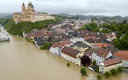 NÖ: Innenstadt von Melk unter Wasser