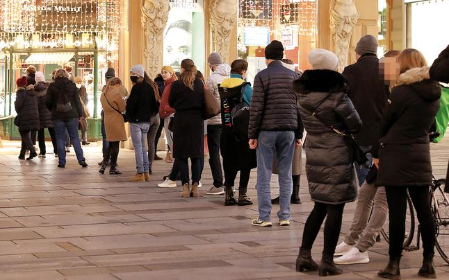Trotz Lockdown: Ansturm auf Punsch-Stände in Wiener City