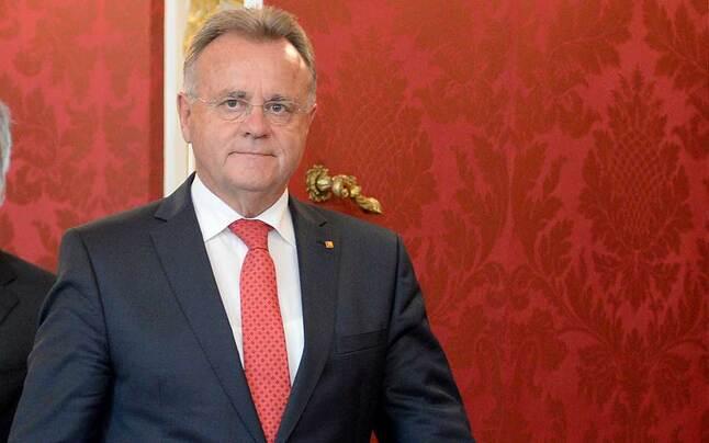 Rot-Blau: Nulllohnrunde für Landespolitiker
