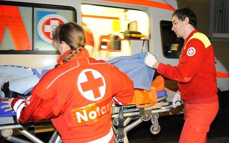 Zwei Verletzte bei Pkw-Kollision auf A14