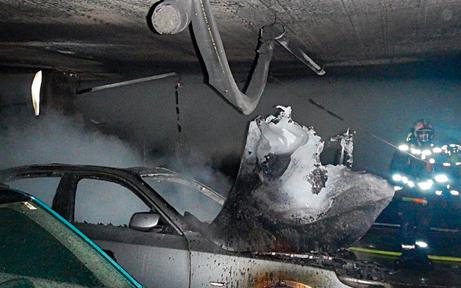 Brandstifter fackelte sieben Fahrzeuge ab