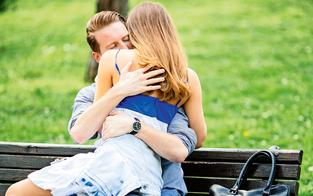 Polizei stoppt Pärchen beim Sex auf Parkbank