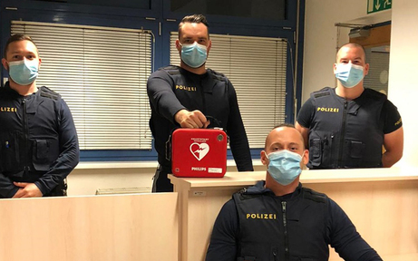 Diese Polizisten retteten 51-Jährigem das Leben