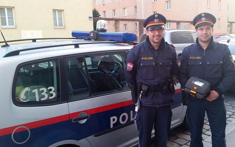 Polizisten retten 79- jährigem Mann das Leben