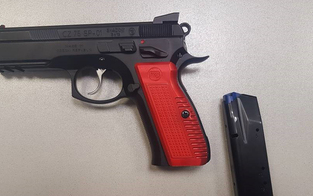 Wienerin (32) bedroht Nachbarn mit Pistole