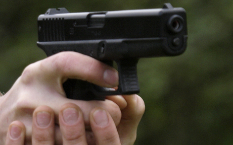 18-Jähriger bedrohte Tante mit Pistole