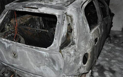 Brandstifter fackelt Autos ab