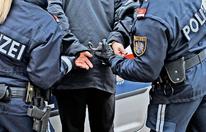 Gemeindebau-Teenie brach Polizisten die Nase