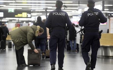 2 Jahre Haft für Schleusungen via Flughafen