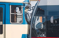 Bim krachte in Bahn: 5 Verletzte