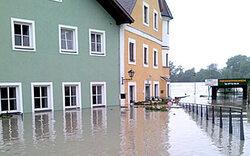 OÖ: Schärding überflutet