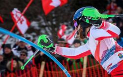 Schwarz rast bei Slalom-Krimi auf Platz zwei
