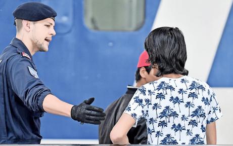 Asylamt bei Haftentlassung nicht immer informiert