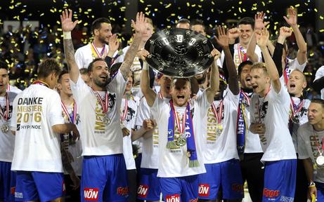 SKN-Sensation: St. Pölten im Fußball-Fieber