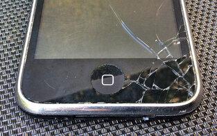 Harsche Kritik an Handy-Versicherungen