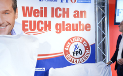 FPÖ stellt neue Plakate vor