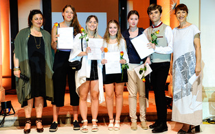 Modischer Schulabschluss in Hetzendorf