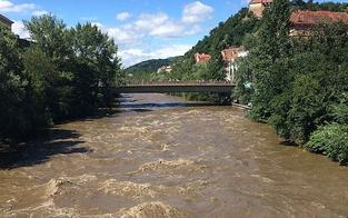 Grazer City von Überflutung der Mur bedroht