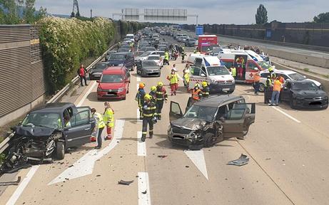 5-Jähriger bei Massen-Crash unter den Schwerverletzten