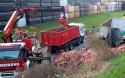Horror-Gestank bei Crash mit Fleisch-Lkw