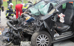 Horror-Crash: LKW stieß frontal gegen PKW