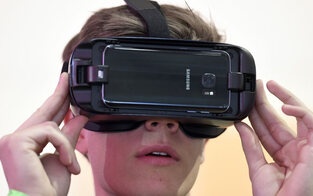VR-Brille erleichtert das Sprachenlernen