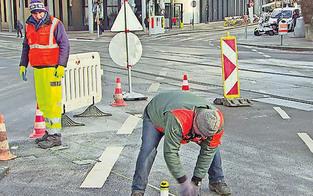Wasserrohrbruch sorgt für Verkehrs-Chaos