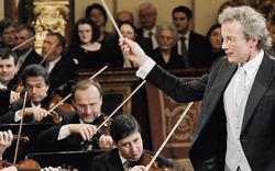 Franz Welser-Möst von Philharmonikern  geehrt