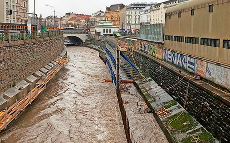 Wien-Fluss überschwemmt U2-Baustelle